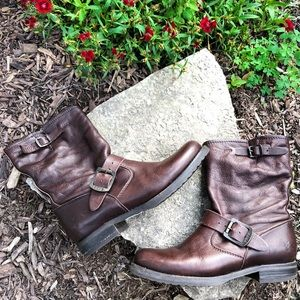 Frye   Veronica Short Leather Brown Moto Boot